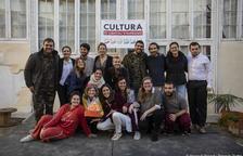 Imagen de algunos de los miembros de Tornavís Teatre.