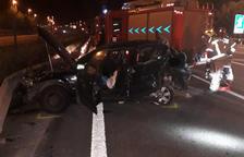 Imagen del coche accidentado en el que circulaban las víctimas del accidente de Cubelles