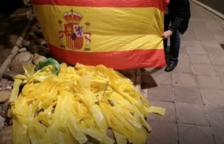 La Cruzada de los 300 retira lazos amarillos en Tarragona por Nochebuena