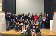 El Ayuntamiento de la Bisbal ha entregado 11 'Cheques Bebé' a las familias bisbalencas que tuvieron o adoptaron a un niño durante el 2018