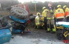 Un ferit greu i un de lleu en un accident entre un tractor i un cotxe a la T-314 a Riudoms