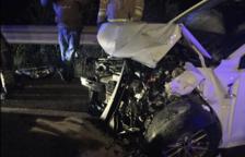 Dos heridos leves en una colisión frontal en la C-31 en Calafell