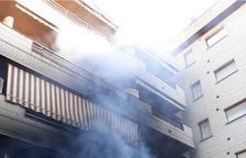 Crema un pis al carrer Saragossa de Salou
