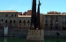 El ple de Tortosa aprova descatalogar el monument feixista del riu Ebre