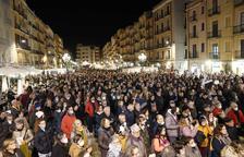Més de 3.000 persones clamen per la seguretat a la química a la plaça de la Font