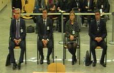 De izquierda a derecha, César Puig, Pere Soler, Teresa Laplana y Josep Trapero en el juicio.