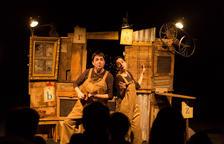 Un centenar de persones gaudeixen de 'La gallina dels ous d'or' al Teatre Auditori del Morell