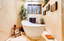 Reiventar el diseño interior del baño para crear un espacio moderno y acogedor