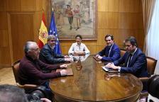 El govern espanyol, sindicats i patronal acorden augmentar el salari mínim fins als 950 euros el 2020
