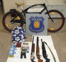 Detinguts per robar en un domicili i dos trasters a Calafell