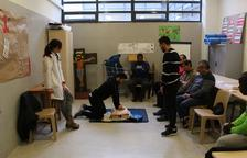 Presos de Mas d'Enric aprenden a realizar primeros auxilios