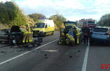 Una persona crítica en un accidente entre tres vehículos en la T-721 en Constantí