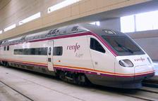 Una cinquantena d'usuaris estrenen el primer tren ràpid Tortosa-Barcelona que arriba a Sants amb retard