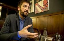 El periodista Toni Cruanyes presenta el seu llibre 'Un dels nostres' a Valls
