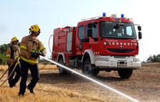 Un incendi a un càmping d'Alcanar calcina quatre bungalous i quatre autocaravanes