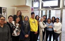 Alumnes de català de Reus, l'Hospitalet i Cambrils commemoren el Dia Internacional de la Llengua Materna