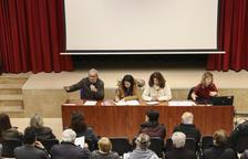Un instante de la asamblea que la AVV celebró.