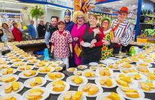 Imagen del desayuno que han ofrecido los puestos del Mercat Central de Reus.