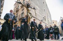 Imagen del Viacrucis de la Sang por las calles de la Parte Alta en la Semana Santa del año pasado.