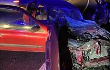 Aconsegueix sortir il·lès després de patir un aparatós accident a la C-14 a Alcover