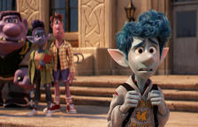 La nueva película de animación producida por Pixar y Disney, 'Onward', llega a los cines en catalán