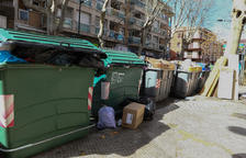 Las protestas de la basura dejan 250 contenedores llenos y paran 36 vehículos