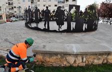 Comença la reparació del paviment de la plaça de la Sardana a Sant Pere i Sant Pau
