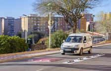 Col·loquen un reductor de velocitat al barri de Sant Pere i Sant Pau