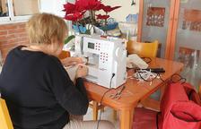 El Afer de la Dona de Pallaresos confecciona 600 mascarillas
