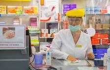 Farmàcies de Tarragona fan llistes d'espera per falta de mascaretes