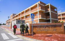 Set avis moren a Vila-seca i l'exèrcit neteja l'entorn de la residència als Pallaresos