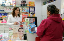 Les farmàcies s'ofereixen com a punts de vacunació contra la covid-19 per augmentar la ràtio