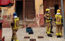 S'ensorra part de l'interior d'un habitatge a Tortosa, sense ferits