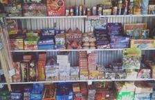 Una tienda de petardos de Calafell adelanta un 2% de la campaña de Sant Joan para la Cruz Roja