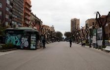 Ni riadas de gente, ni libros, ni rosas: la Rambla Nueva de Tarragona, vacía por Sant Jordi