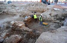 Les obres de la plaça de la catedral de Tortosa queden aturades per la renúncia de la constructora