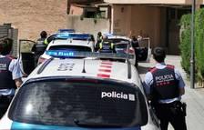 La Policía Local de Cambrils visita a 78 niños para felicitarles por su cumpleaños