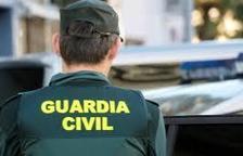 820 ampolles d'un litre oli d'oliva que van ser sostretes de la seu de Càritas d'Aguilar de la Frontera (Còrdova) fa gairebé un mes