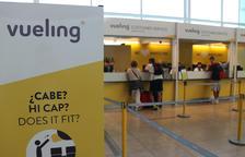 L'exdirector general dels Mossos denuncia que Vueling no l'ha deixat volar per dur la PCR en català