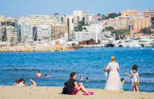 La mayoría de encuestados son partidarios del cierre de las playas