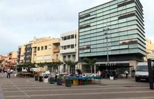 Amposta recupera els mercats ambulants amb una quarta part de les parades
