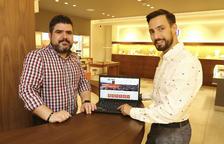 Dos botiguers de Reus creen una guia 'online' amb comerços i serveis locals