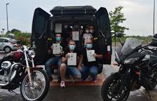 El Moto Club Barenys Salou fa la segona entrega d'aliments i vol arribar a set famílies més