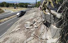 Unes pedres soltes amenacen de caure sobre l'autovia A-7