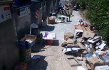 El Ayuntamiento de Torredembarra denuncia el vertido de residuos en la vía pública