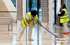 El personal de neteja protestarà perquè no rebrà la compensació dels sanitaris