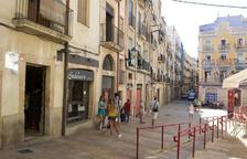 Detinguts per intentar robar en un pis a la plaça dels Sedassos escalant per la façana