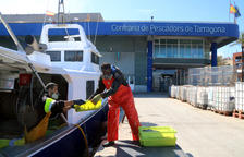 La flota de arrastre de Tarragona vuelve al mar después de la veda