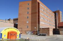El hospital de campaña que se ha instalado para atender casos de covid-19 y del hospital Arnau de Vilanova de Lleida.