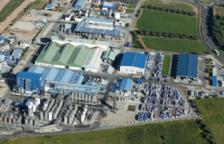 Concentración sindical delante de la planta de IQOXE Emulsionas por el accidente mortal